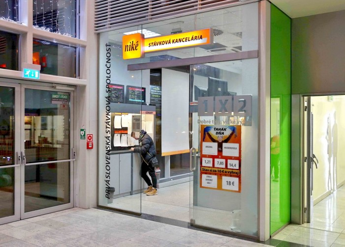 Prvá slovenská stávková spoločnosť Niké pôsobí na trhu stávkovania už od  roku 1991. Hlavným predmetom činnosti je prevádzkovanie kurzových stávok ... 03c7388ba2a